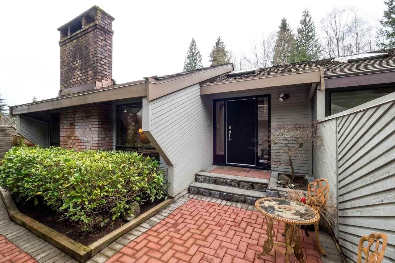 5635 WHITE PINE LANE, North Vancouver, BC V7R 4S1