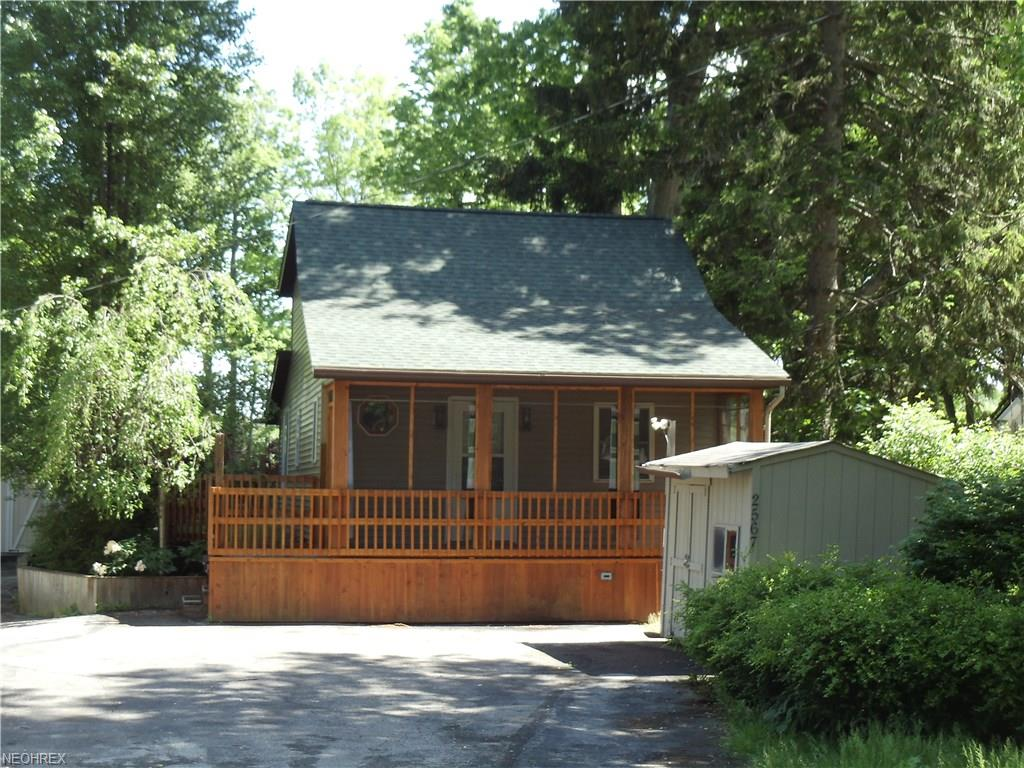 2567 Dodd Rd, Willoughby Hills, OH 44094