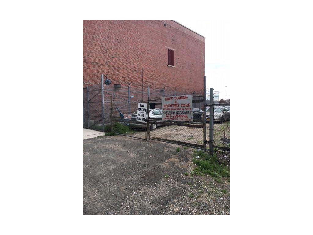 4526 White Plains Road, Bronx, NY 10470