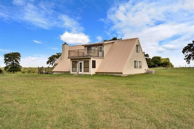 1377 County Road 445, Lincoln, TX 78948