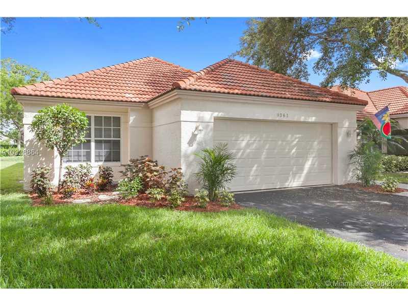 9381 Oak Grove Cir, Davie, FL 33328
