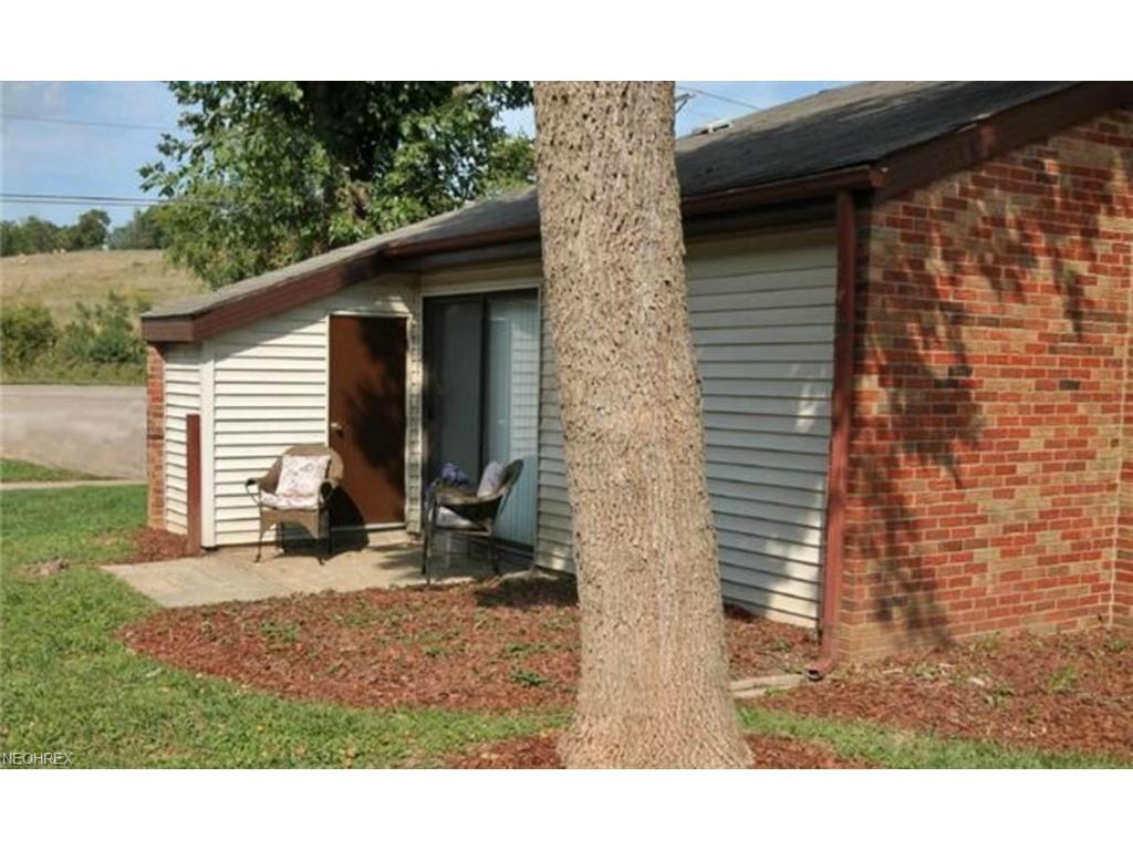 2870 Vista View Dr N, Nashport, OH 43830