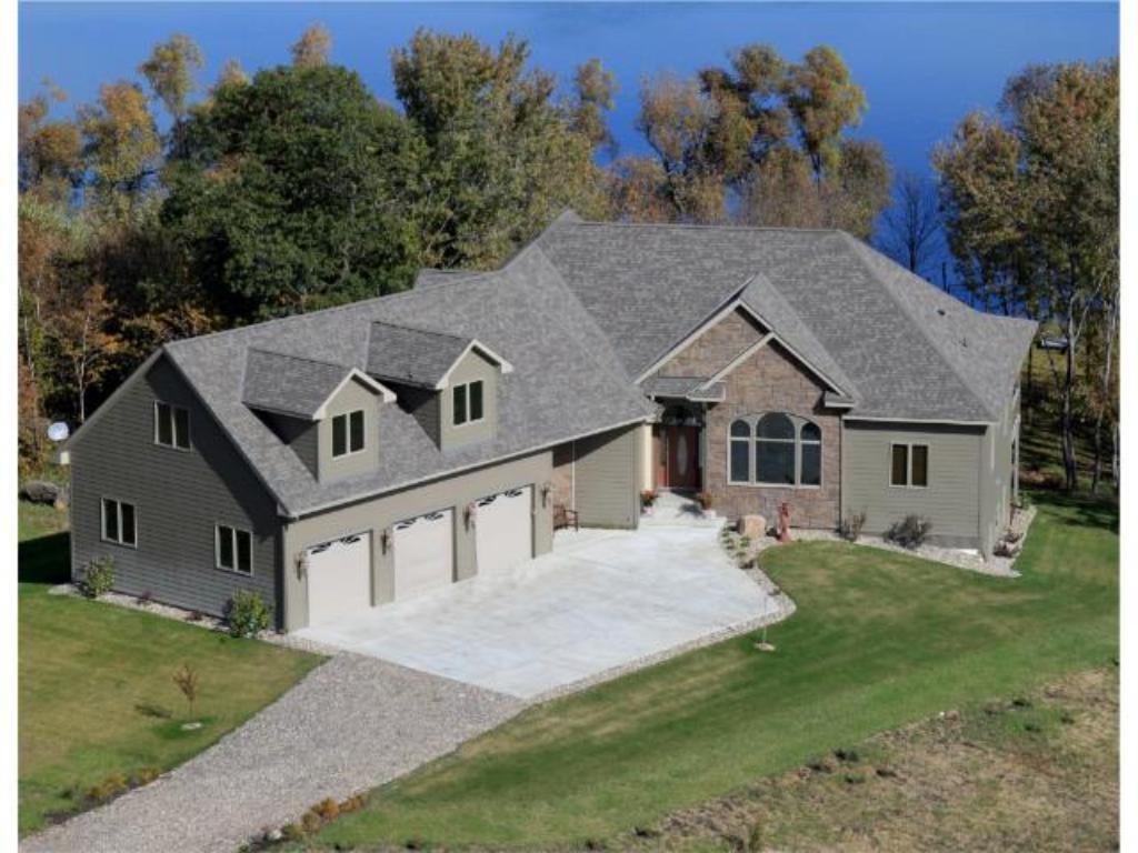 9146 Huber Avenue SW, Howard Lake, MN 55349