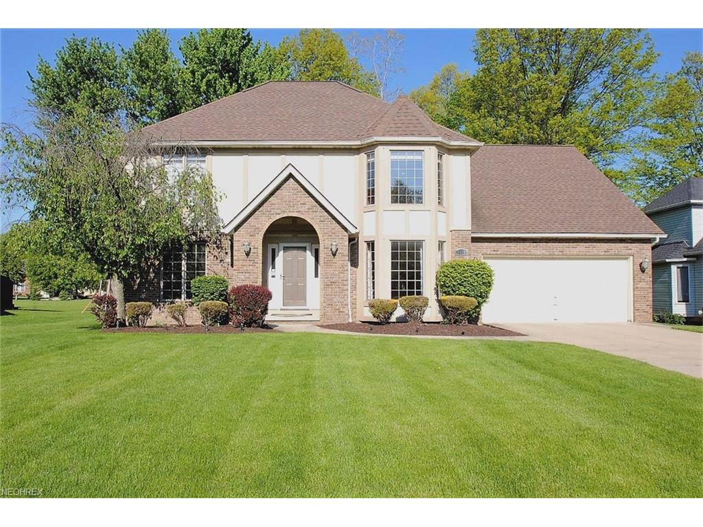 6668 Bretton Ridge Dr, North Olmsted, OH 44070