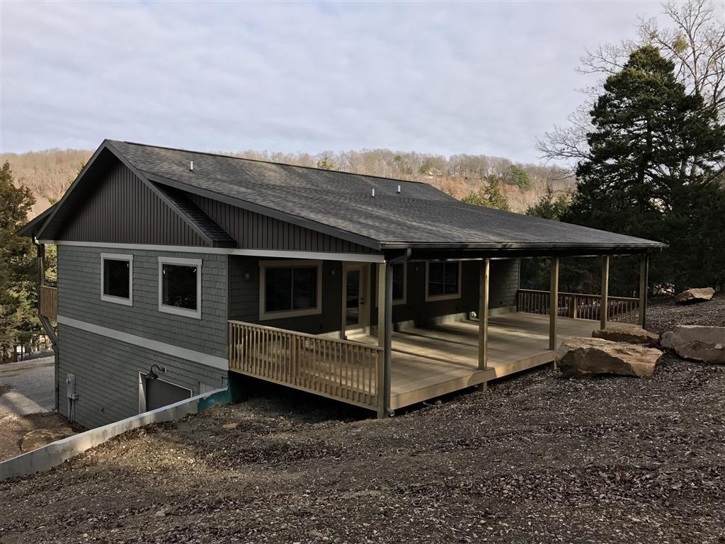 97 Clearwater LN, Eureka Springs, AR 72631