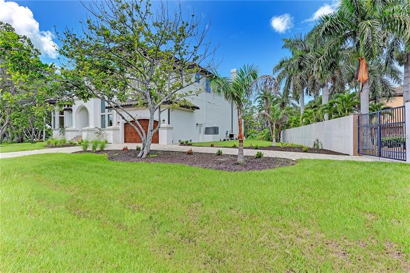 6230 HOLLYWOOD BOULEVARD, SARASOTA, FL 34231