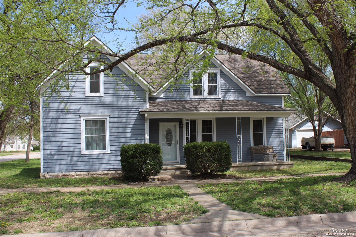 156 W 4th Street, Assaria, KS 67416