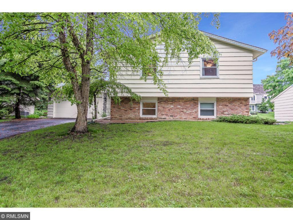 11140 Lanewood Circle, Eden Prairie, MN 55344
