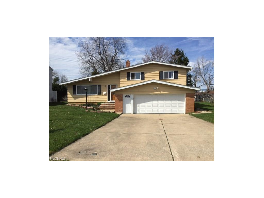 1124 Jackie Ln, Mayfield Heights, OH 44124