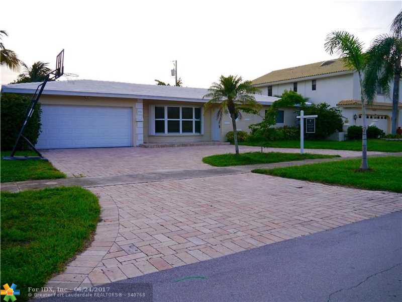 1423 SE 14th Ave, Deerfield Beach, FL 33441