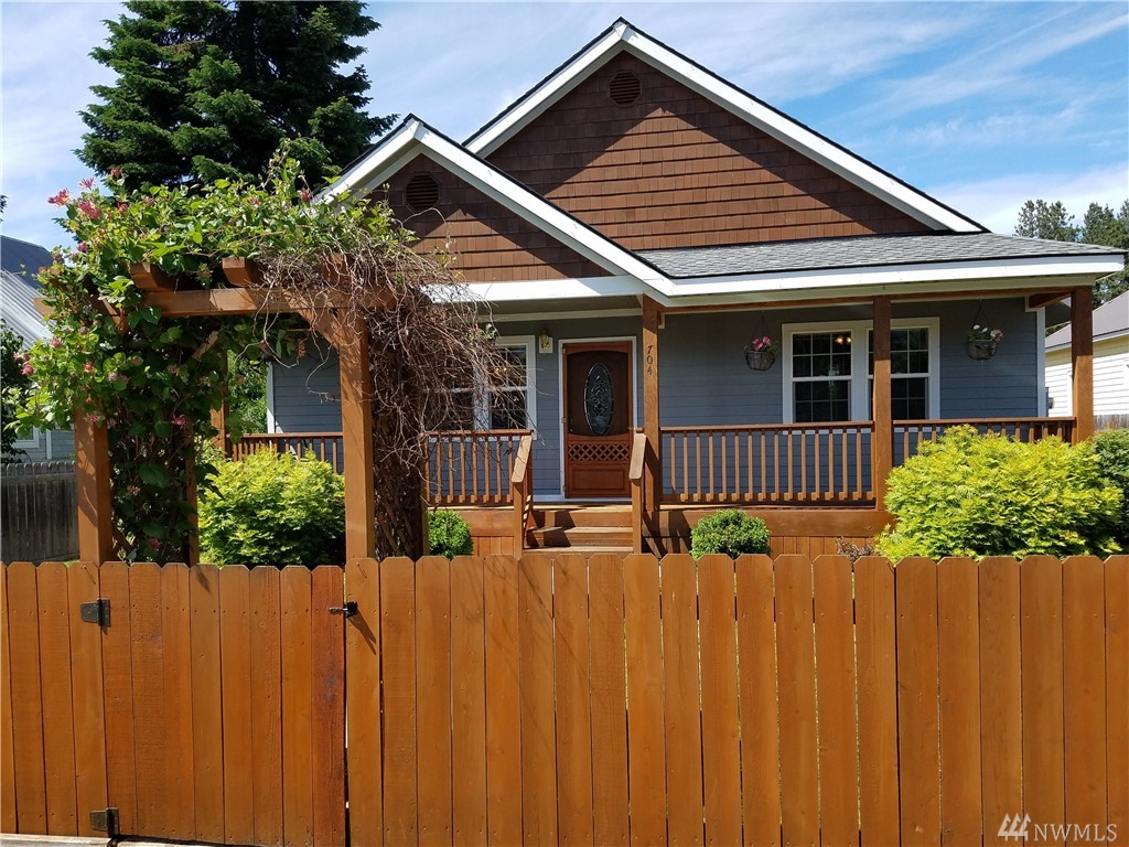 704 Lincoln Ave, South Cle Elum, WA 98943