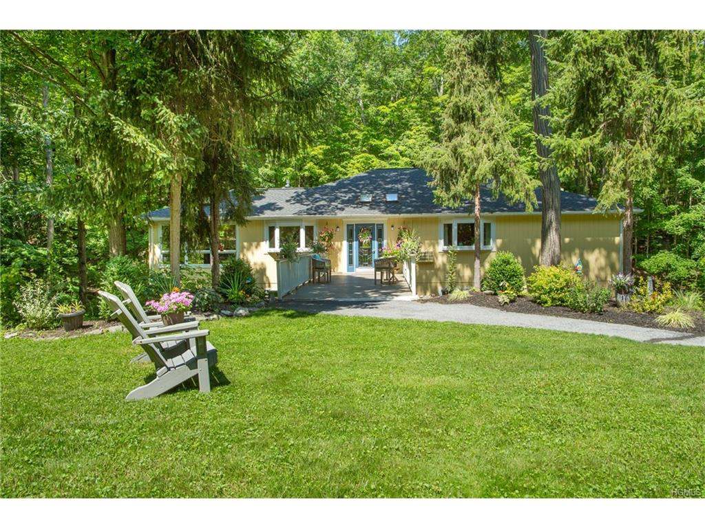 439 Lake Drive, Rhinebeck, NY 12572