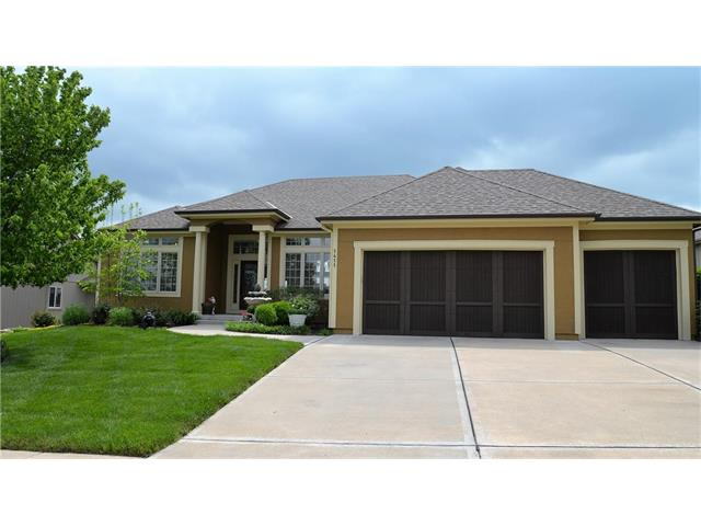 1411 CREEKMOOR Drive, Raymore, MO 64083