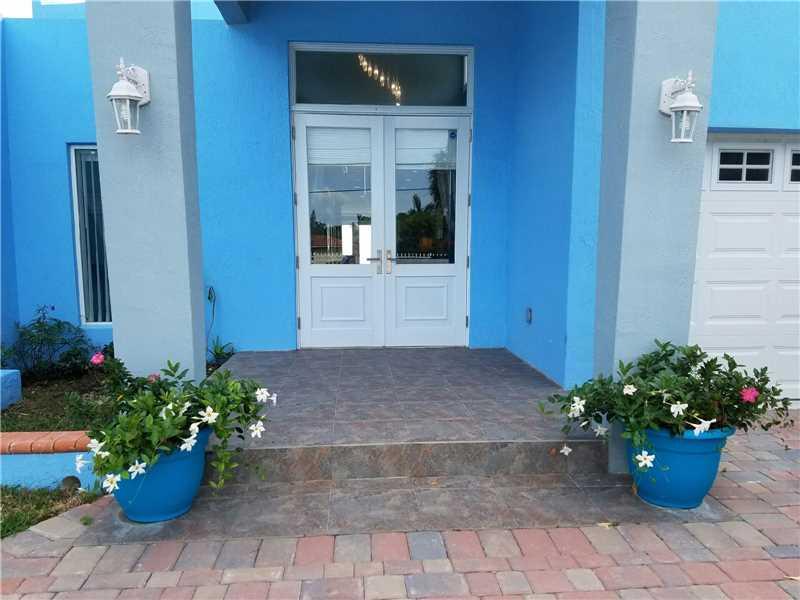 1870 Bay Dr, Miami Beach, FL 33141