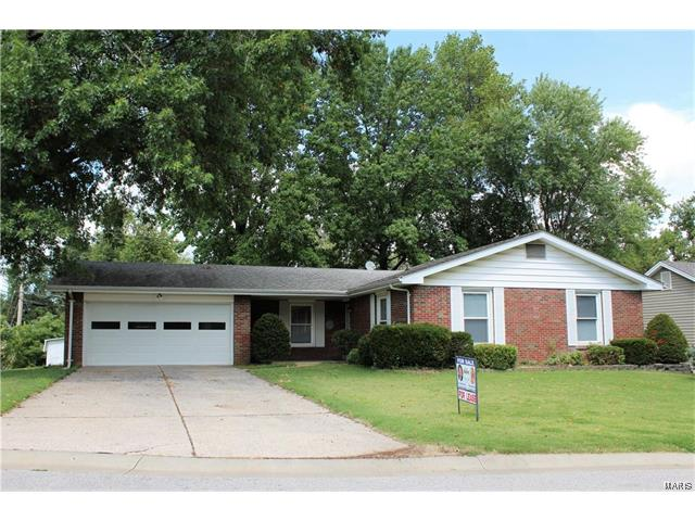 1232 Clairmont, St Charles, MO 63303