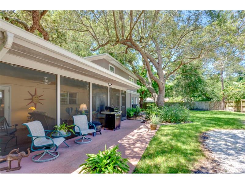 1735 KARLETON PLACE S, ST PETERSBURG, FL 33712