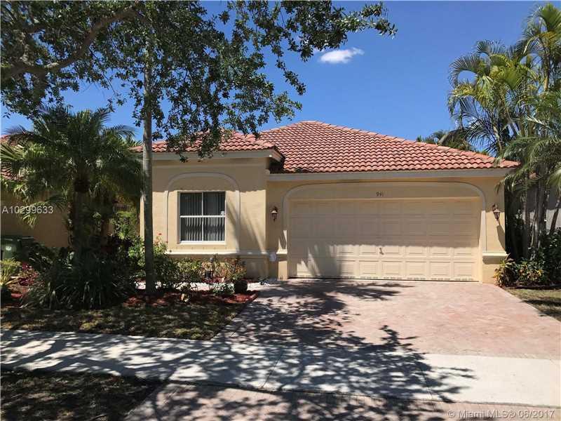 941 Tanglewood Cir, Weston, FL 33327