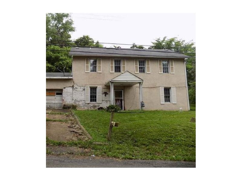 30 Mawhinney Rd, Cecil, PA 15321
