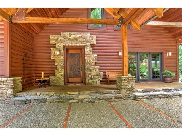 267 Boulder Ridge Dr., Hendersonville, NC 28792