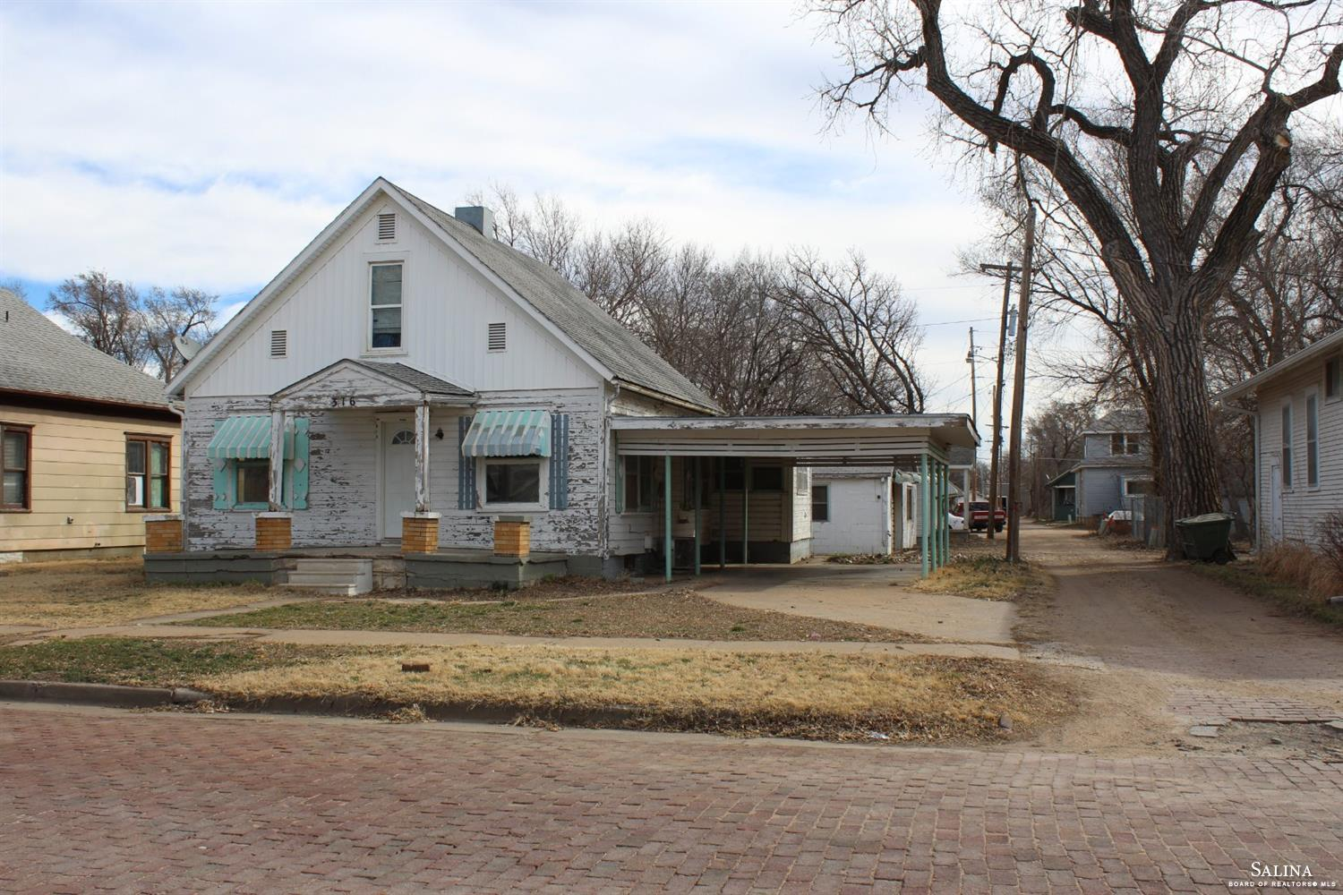 316 N Phillips Avenue, Salina, KS 67401