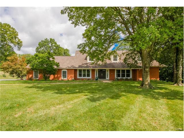 154 Carriage Square Drive, Creve Coeur, MO 63141
