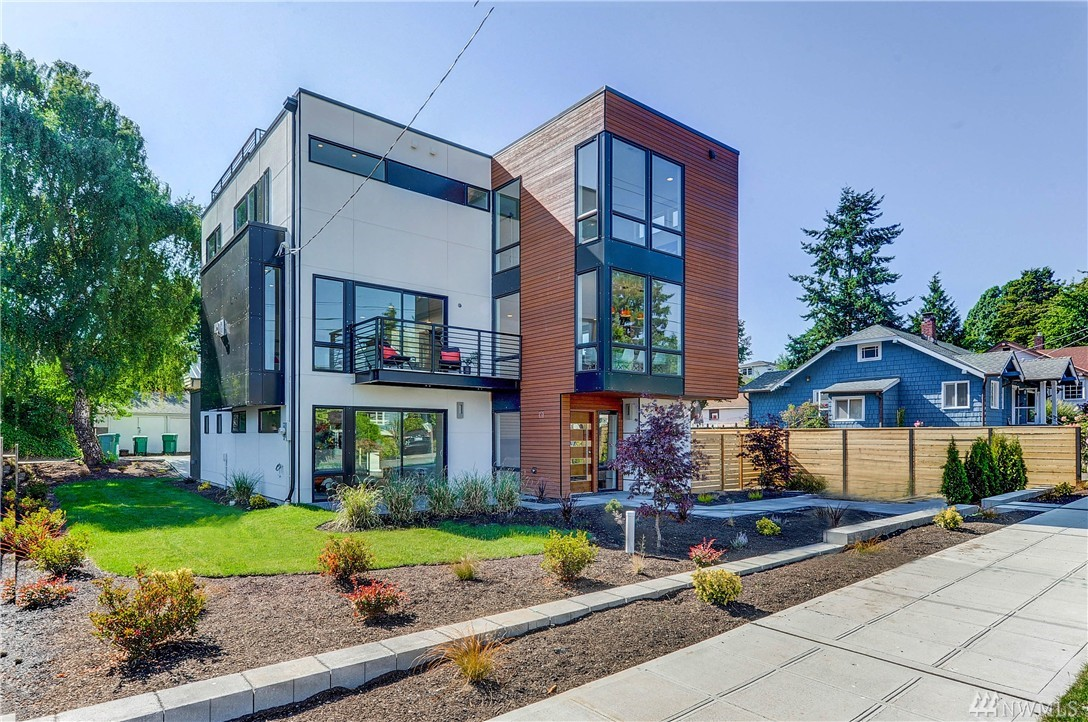 8033 17th Ave NW, Seattle, WA 98117
