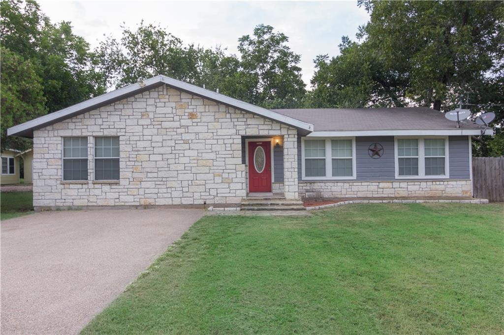 1004 Williams Avenue, Cleburne, TX 76033