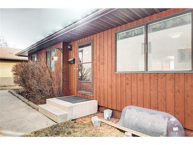 255 PINEMILL Mews NE, Calgary, AB T1Y 2E3