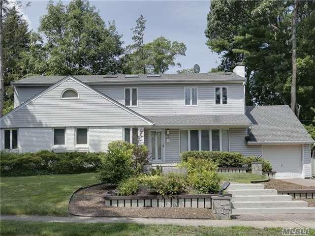 36 Warwick Rd, Great Neck, NY 11023