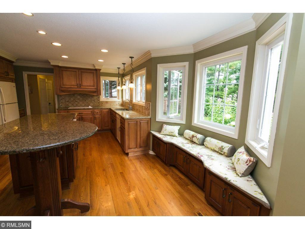 407 Old Farm Road, Shoreview, MN 55126