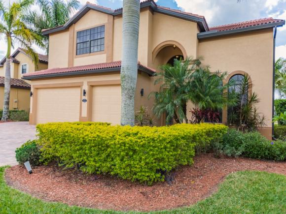 3832 RUBY, NAPLES, FL 34114