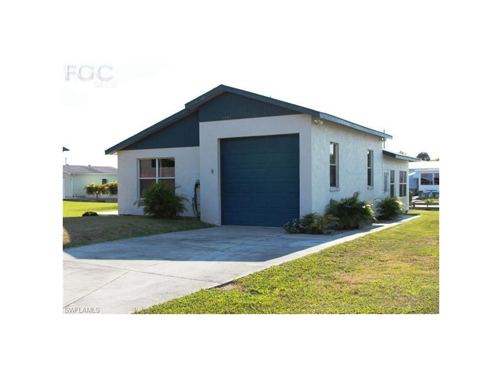 1054 Van Cleave LN, MOORE HAVEN, FL 33471