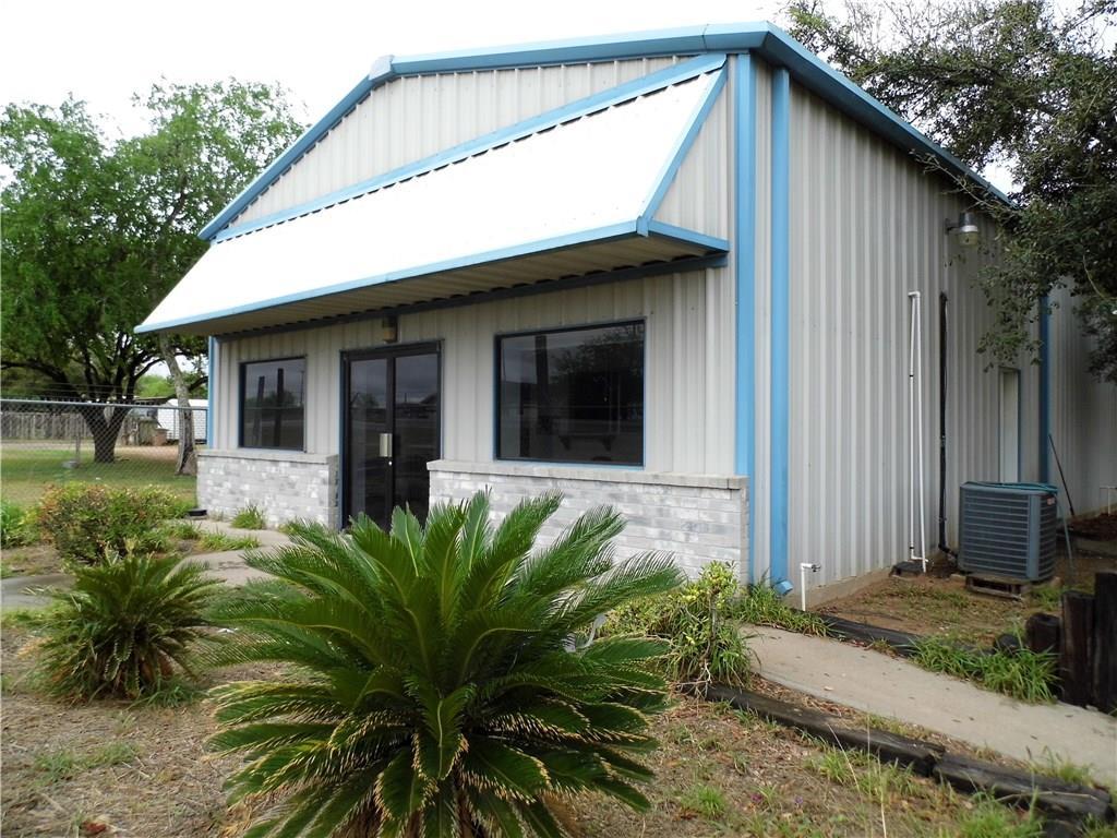 901 S Smith Ave, Hebbronville, TX 78361