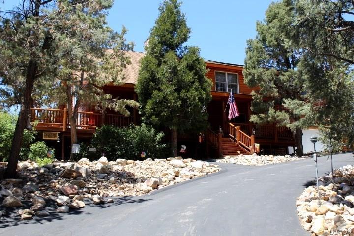 170 Santa Barbara Avenue, Sugarloaf, CA 92386