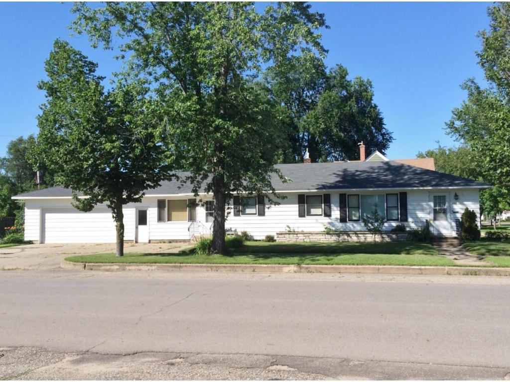 210 Howard Avenue SW, Wadena, MN 56482