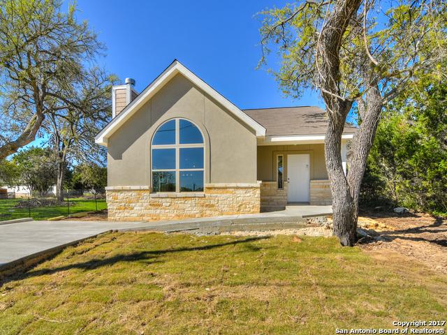 2111 BLUERIDGE DR, Canyon Lake, TX 78133