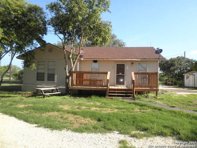131 County Road 572, Castroville, TX 78009