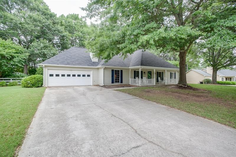 45 Lacey Oak Lane, Loganville, GA 30052