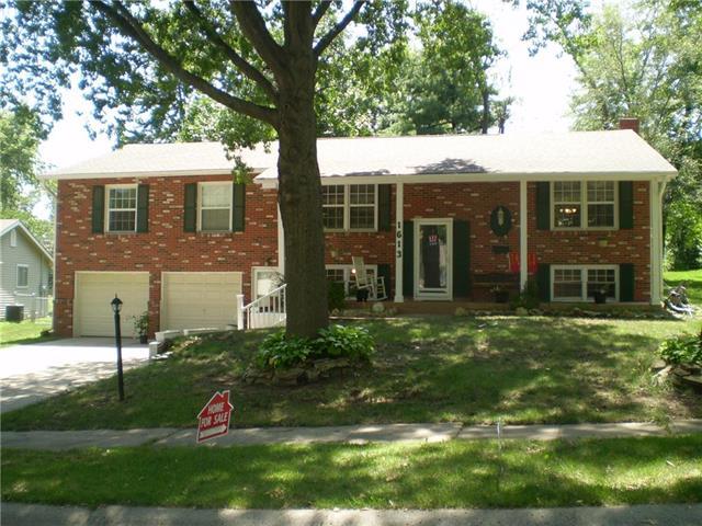 1613 NE 68th Place, Gladstone, MO 64118