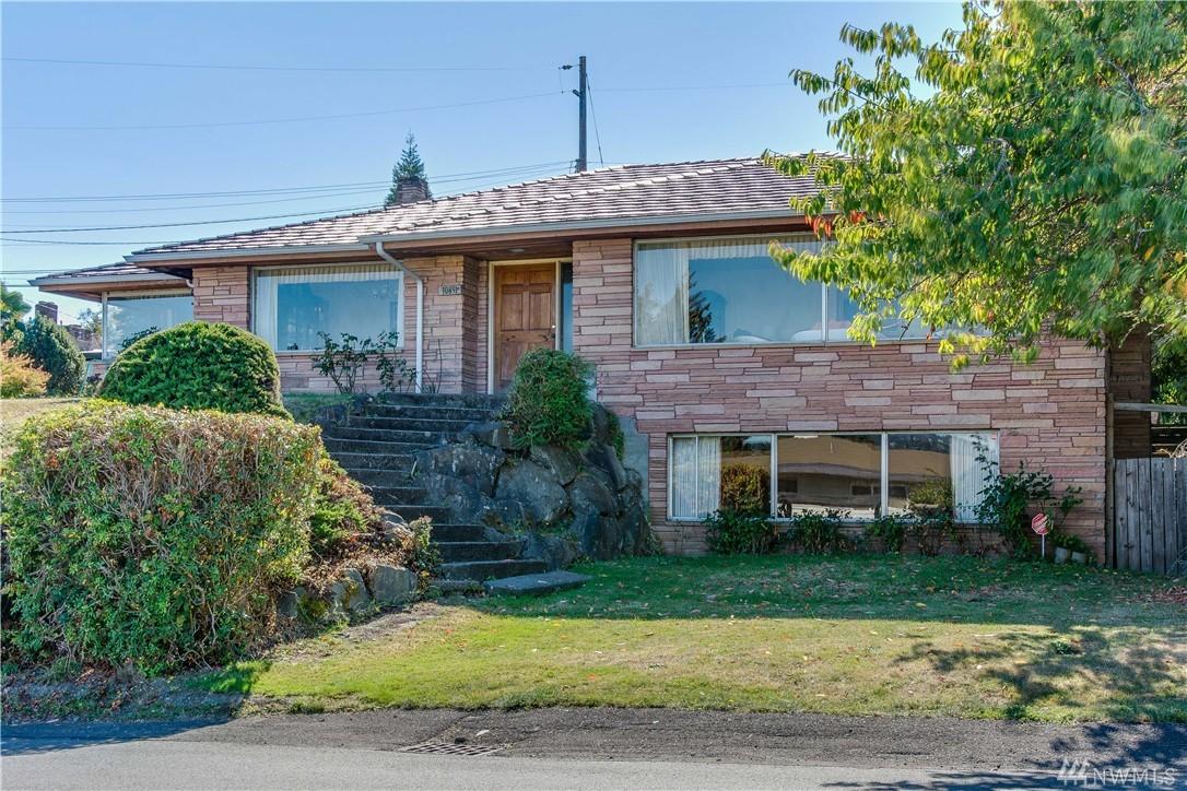 10891 Dixon DR S, Seattle, WA 98178