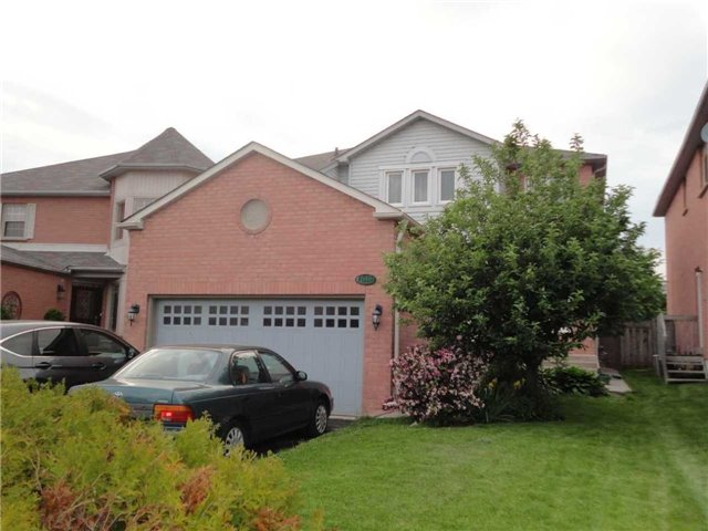 649 Atwood Cres, Pickering, ON L1W 3W5