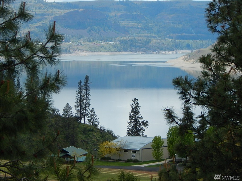 30400 River Bend Lane, Seven Bays, WA 99122