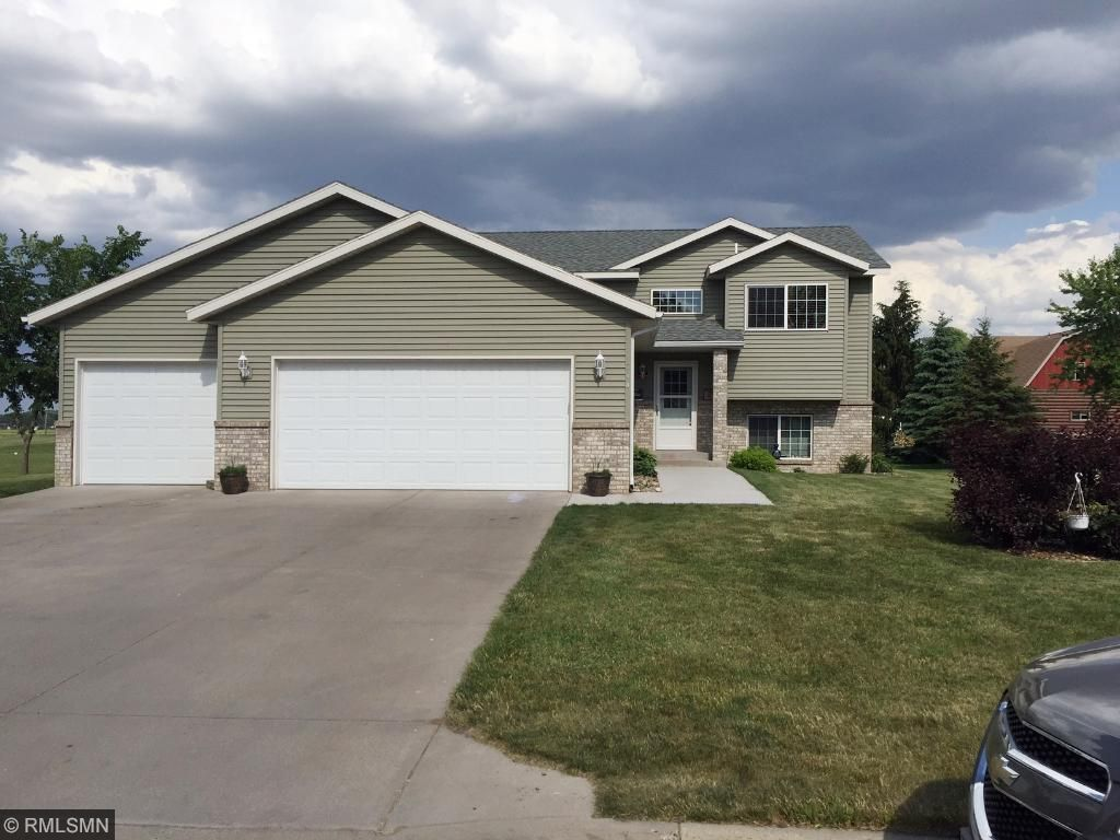 714 4th Avenue NW, Melrose, MN 56352