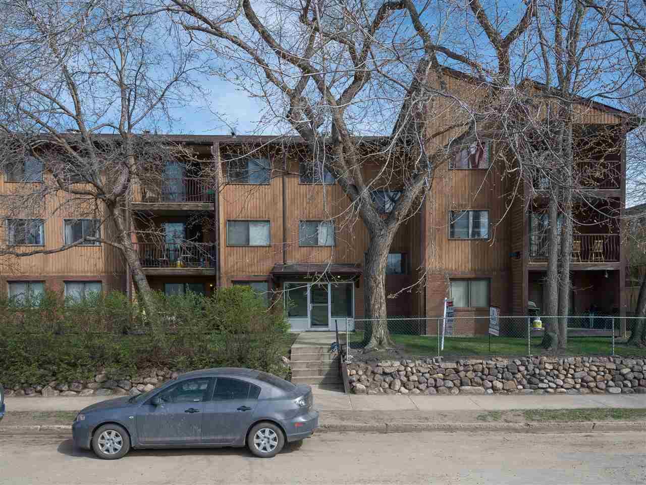 8814 95 Avenue 207, Edmonton, AB T6C 1Z1