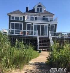 40 Maiden Ln, Patchogue, NY 11772