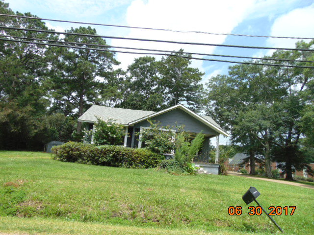 425 North James Avenue, McComb, MS 39648