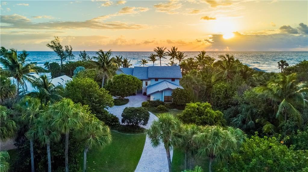 27 N Beach Road, Hobe Sound, FL 33455