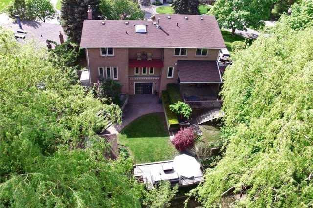 45 Broadleaf Rd, Toronto, ON M3B 1C3