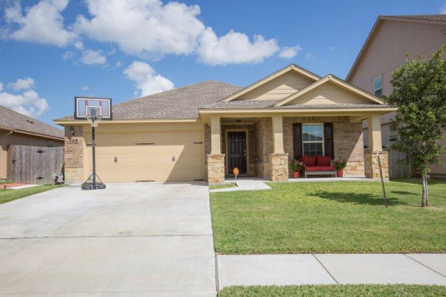 109 Blue Rock Ct, Victoria, TX 77904