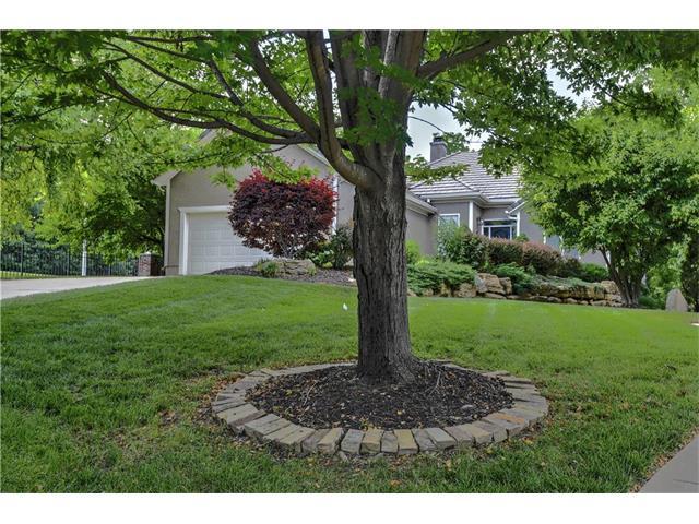 15201 Birch Street, Leawood, KS 66224